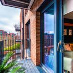 balcony&indoor